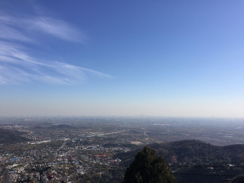 香炉峰观察北京城