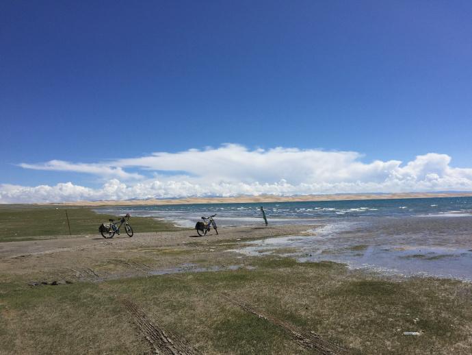 自行车·湖水·沙漠·牧场