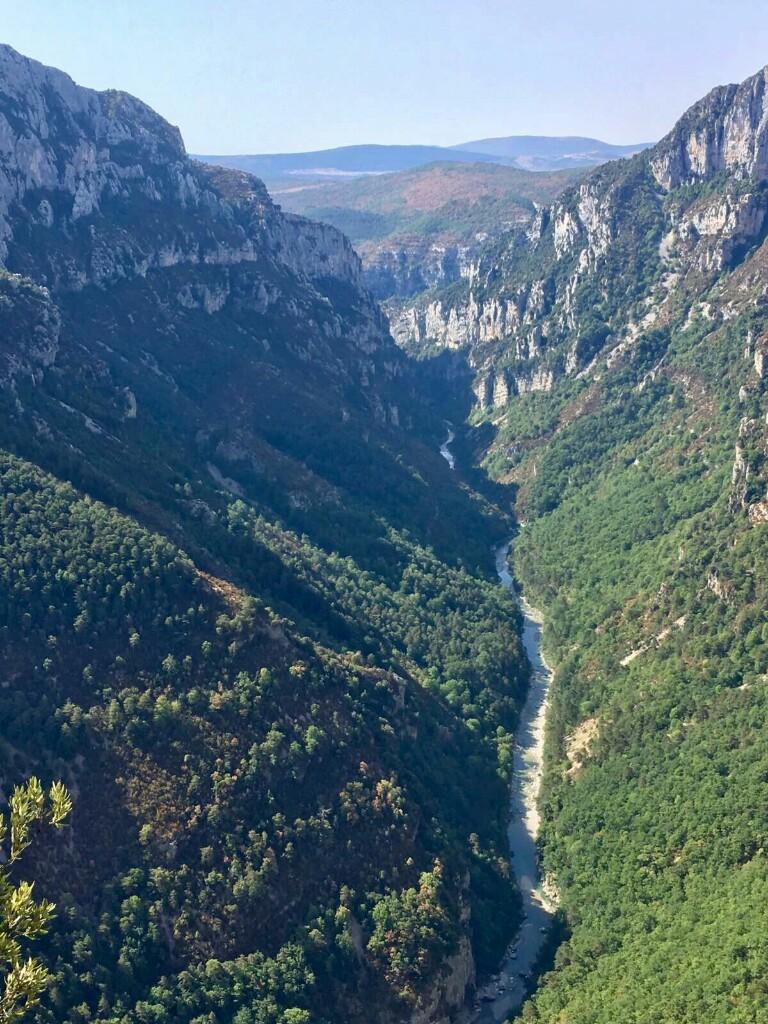 The River Verdon, running along the bottom of the Gorge du Verdon