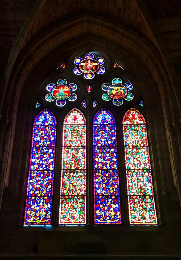 Close up of a window from the entrance hall of León cathedral