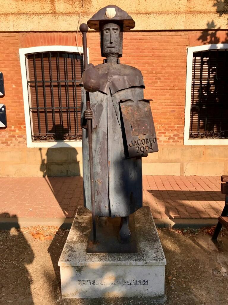 Pilgrim statue in Revenga de campos