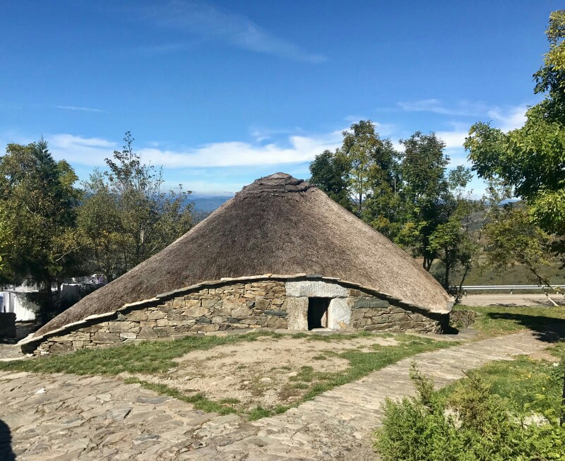 Round, thatched, house in O'Cebreiro