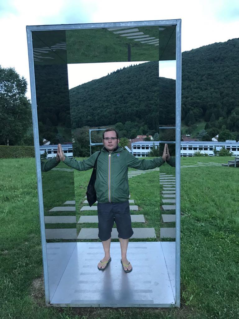 Tom in mirror frame