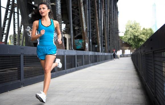 nike-girl-runner-portland-bridge
