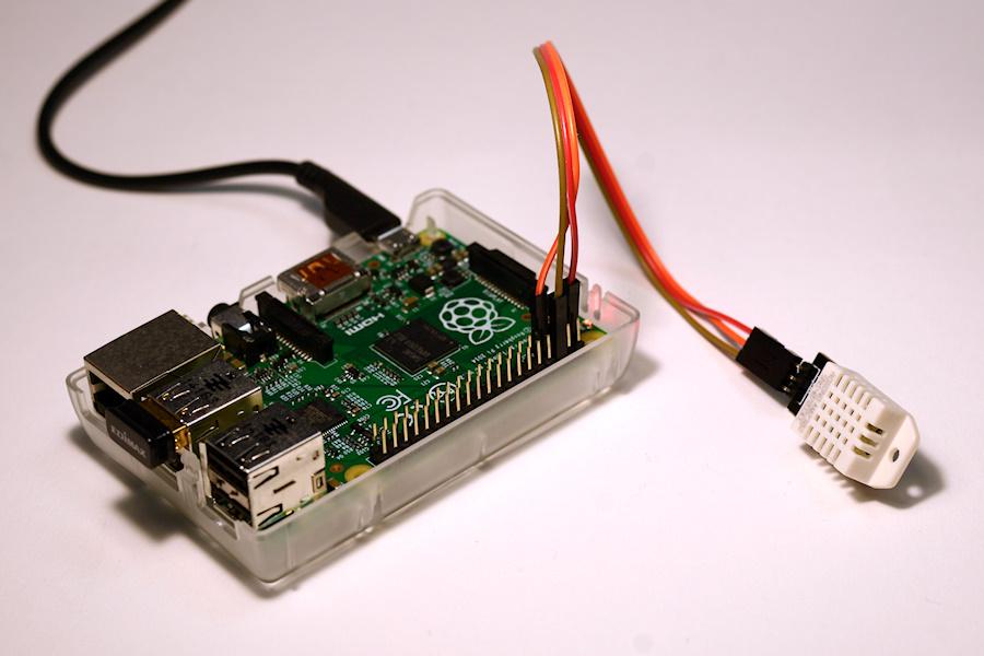 Raspberry Pi with AM2302 sensor
