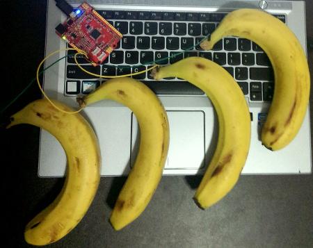 https://github.com/xiongyihui/piano/raw/master/hardware.jpg